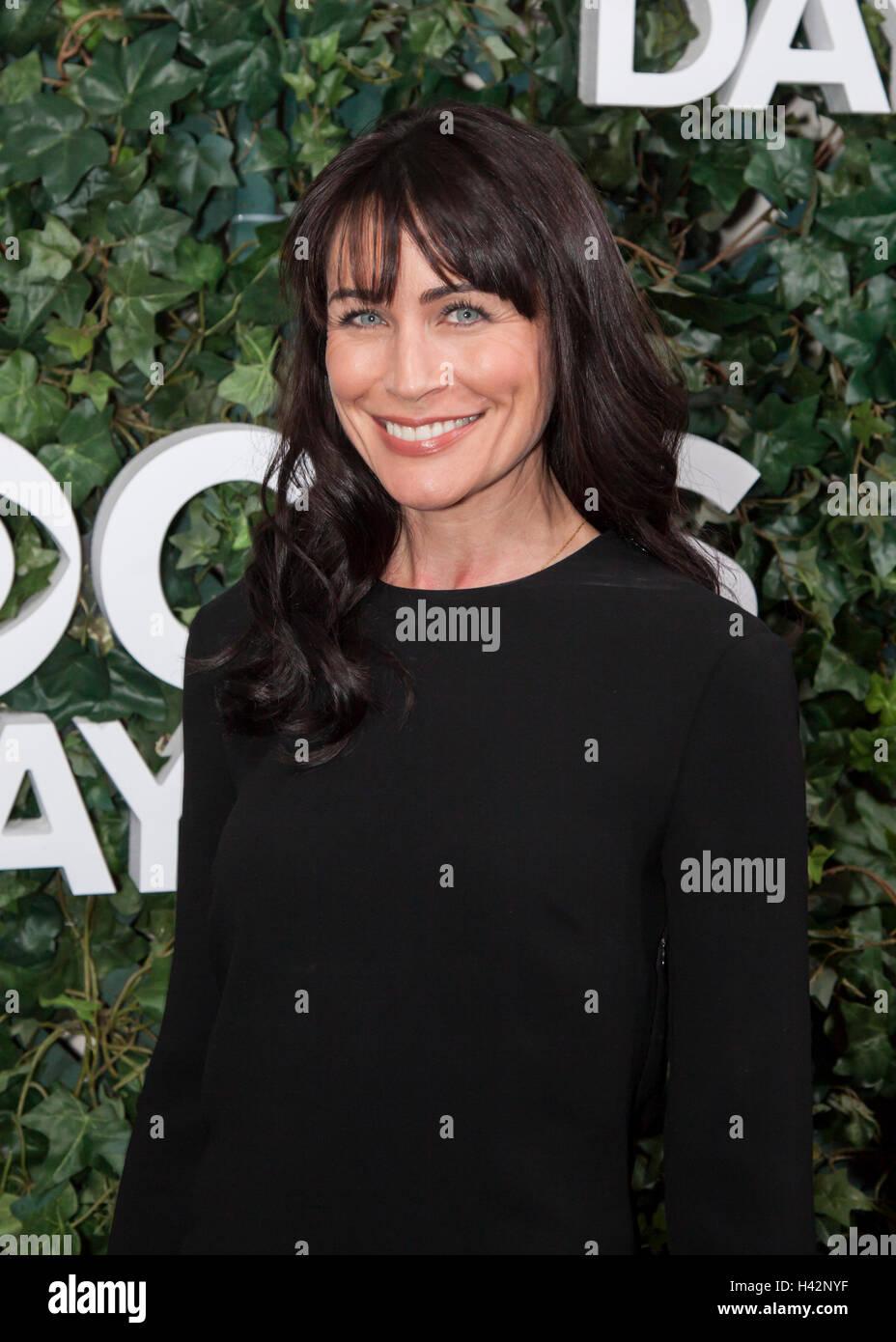 Rena Sofer assiste la CBS il giorno 30 anni a #1 presentano al Paley Centre for Media su ottobre 16, 2016 in Beverly Foto Stock