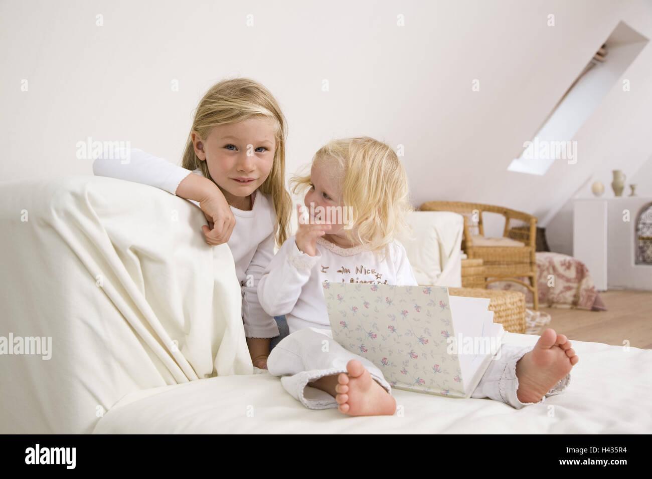 Lettini Per Bambini 2 Anni : Sale di soggiorno il lettino bambini ragazze allegramente