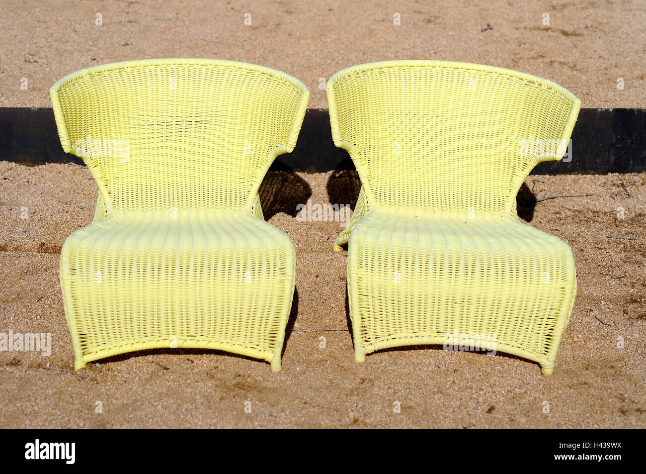 Sedie Pieghevoli Gialle : Sedie gialle immagini sedie gialle fotos stock alamy