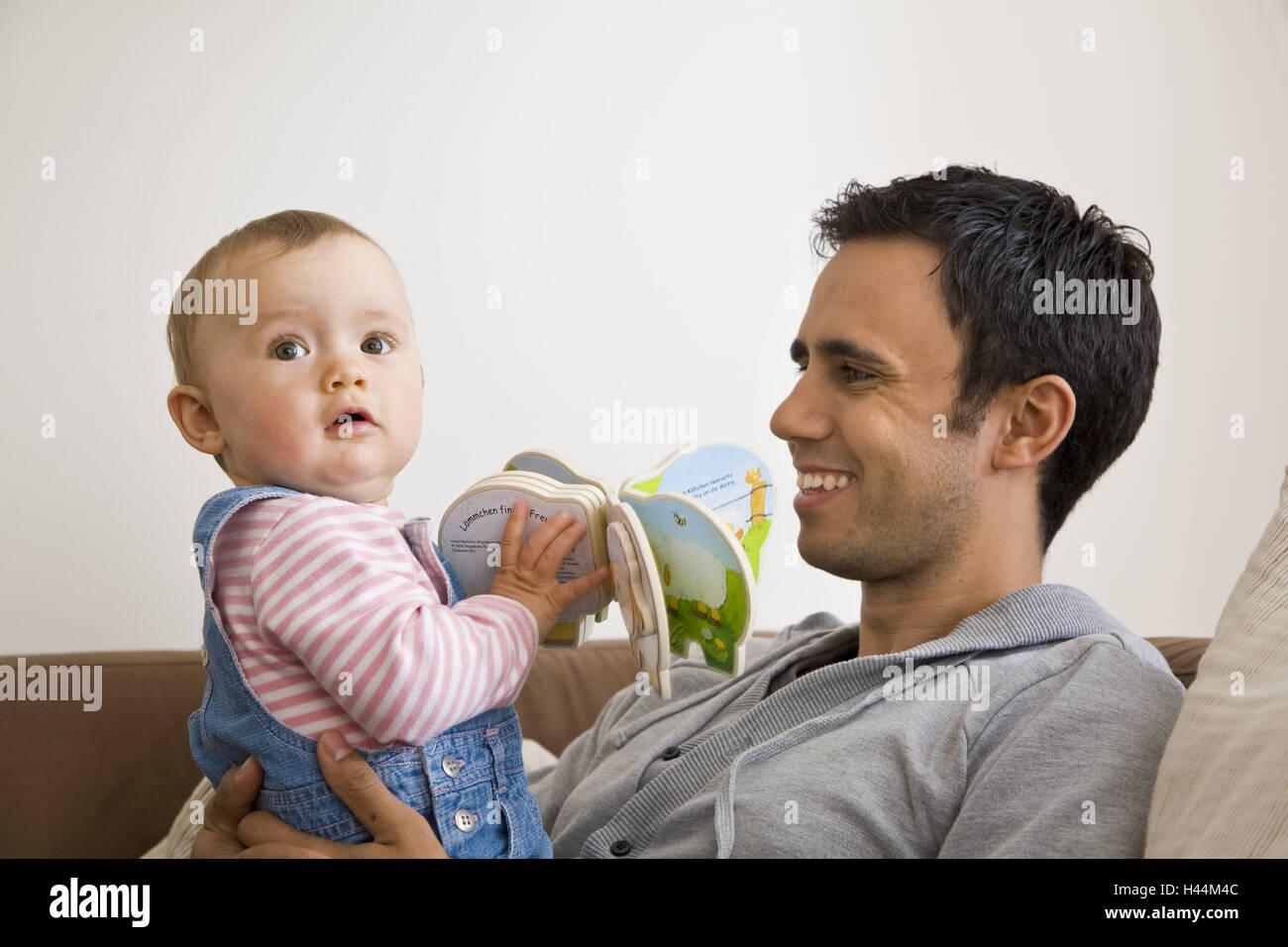 Padre, baby, picture book, infantile, libro, famiglia, leggi, case, leggere, fiducia, padre orgoglio, amore paterno, Immagini Stock