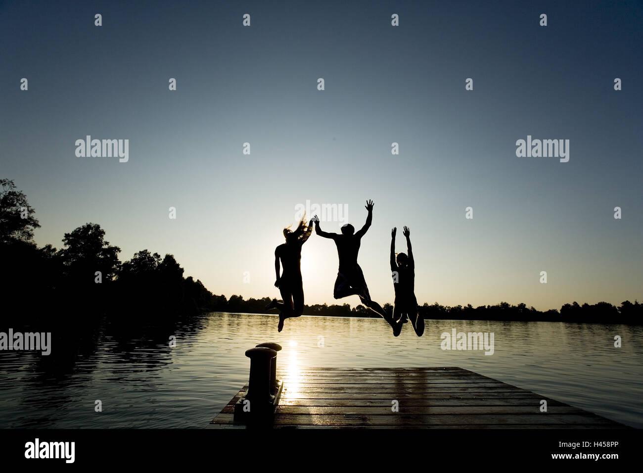 Vasca da bagno mare bridge silhouette bambini jump acqua