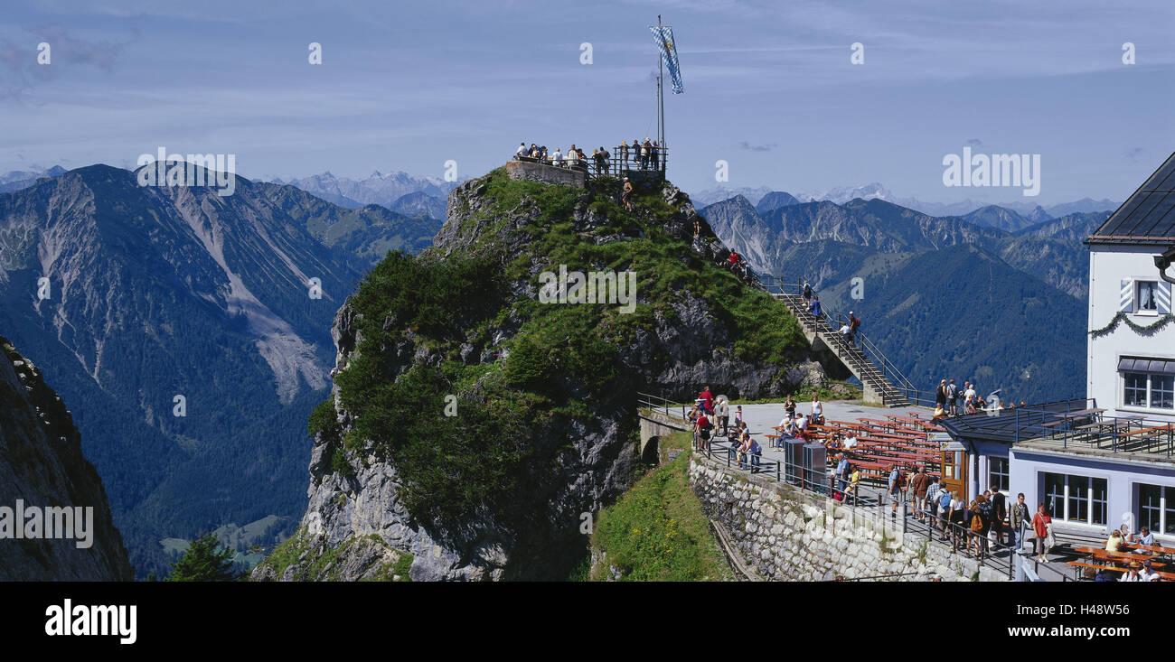 Case Di Montagna In Pietra : Tetto in pietra di casa di montagna