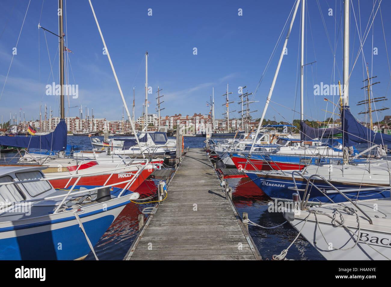 Porto degli Yacht, alto mare yacht club di germanio, navigazione porto, porto di tallness, Wilhelmshaven, Bassa Immagini Stock