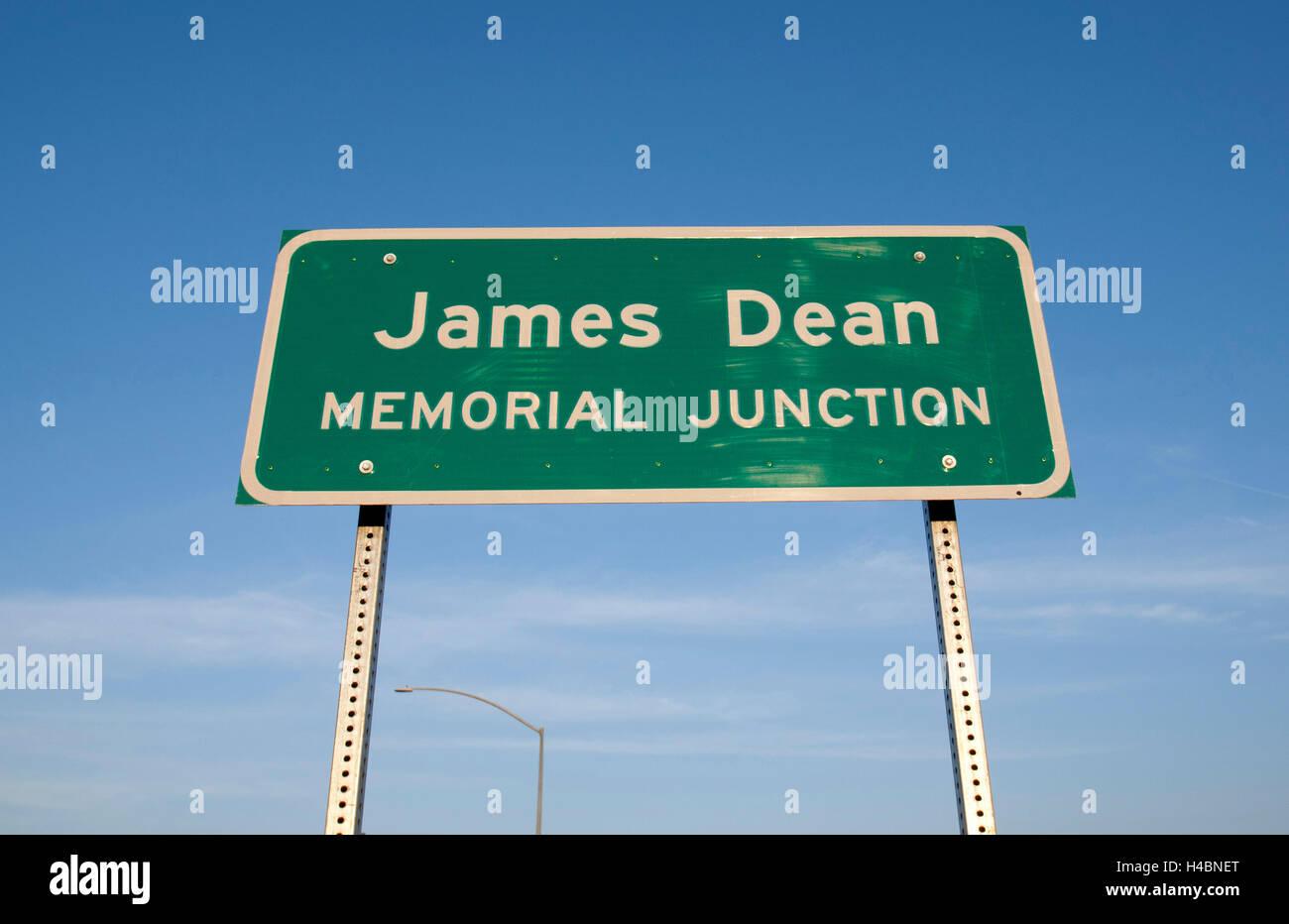James Dean Memorial incrocio delle autostrade della California 41 & 46 dove l'attore è deceduto il Immagini Stock