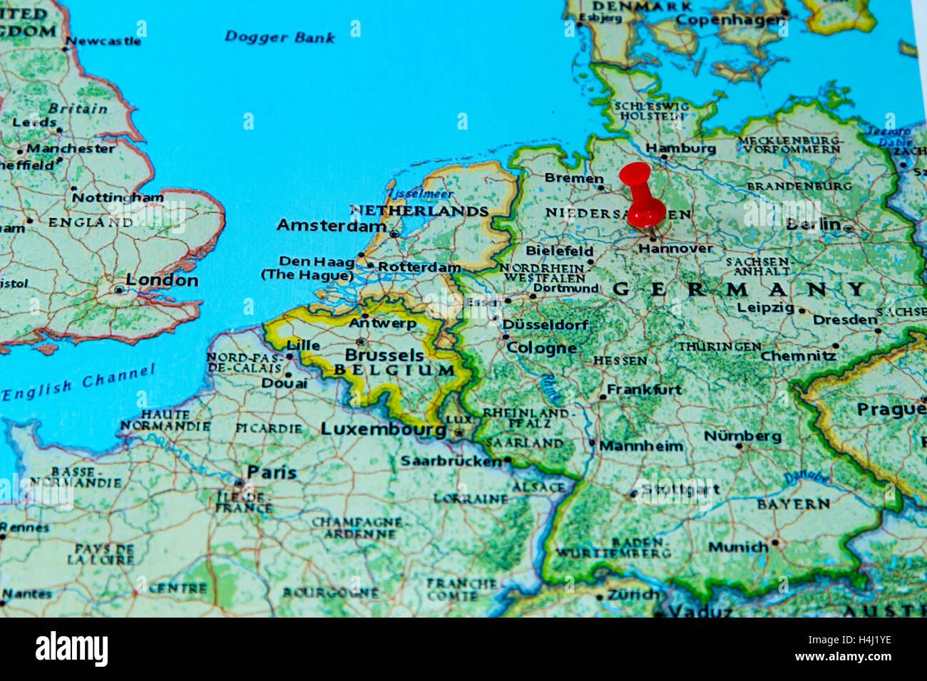 Dortmund Germania Cartina.Hannover Germania Imperniata Su Una Mappa Dell Europa Foto Stock Alamy