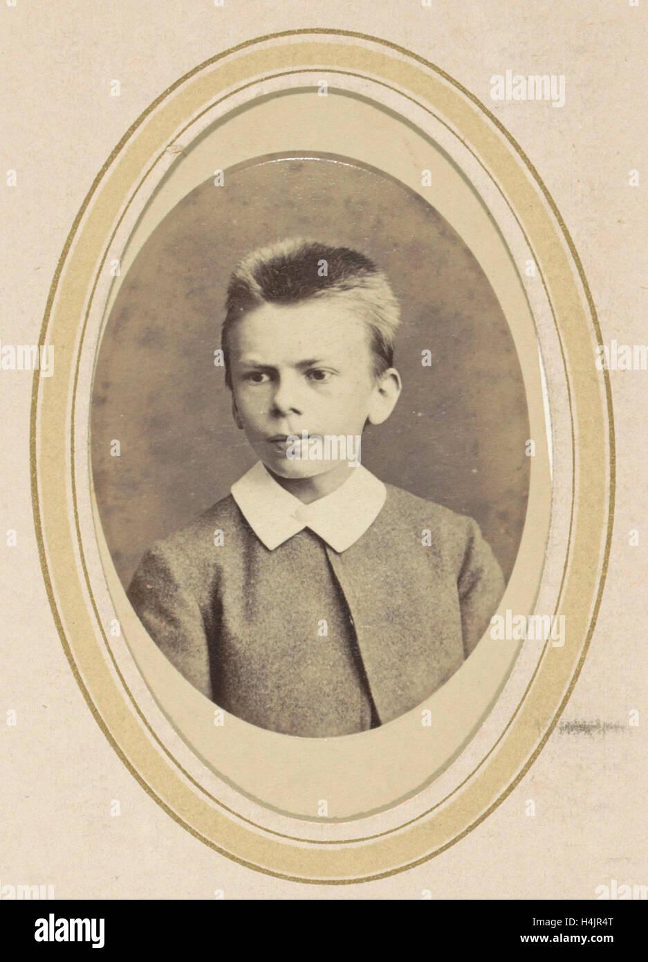 Ritratto di un ragazzo con un colletto bianco, J.C. Reesinck, 1866 - c. 1900 Immagini Stock