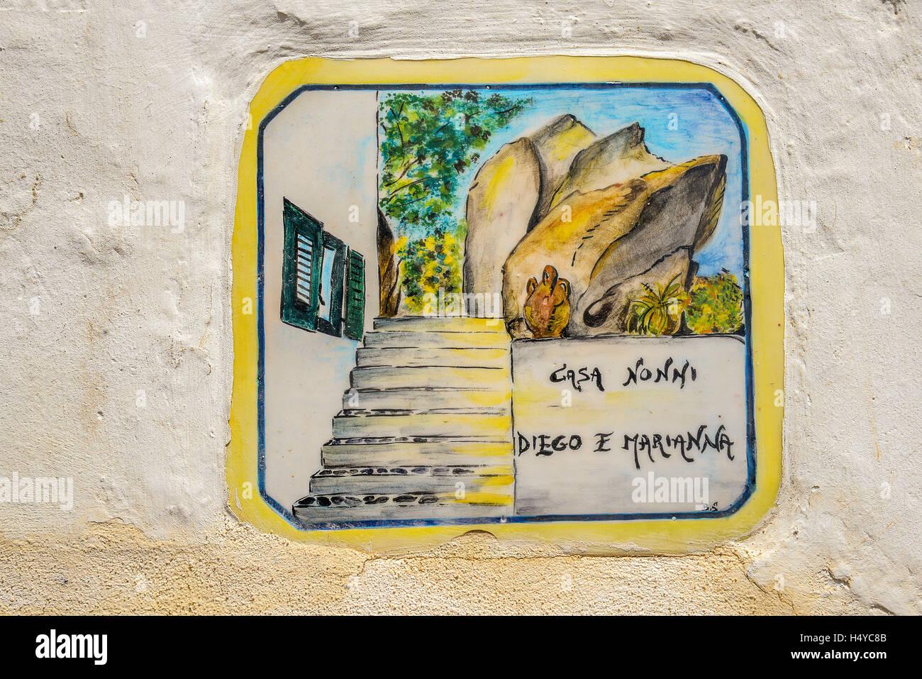 Italia sicilia isole eolie panarea tipiche piastrelle con casa di