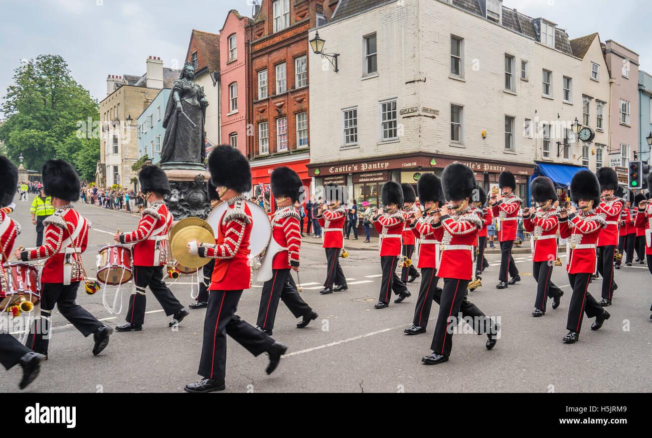 Gran Bretagna, Inghilterra, Berkshire, Windsor, sfilata della banda del Reggimento durante il cambio della sfilata Immagini Stock