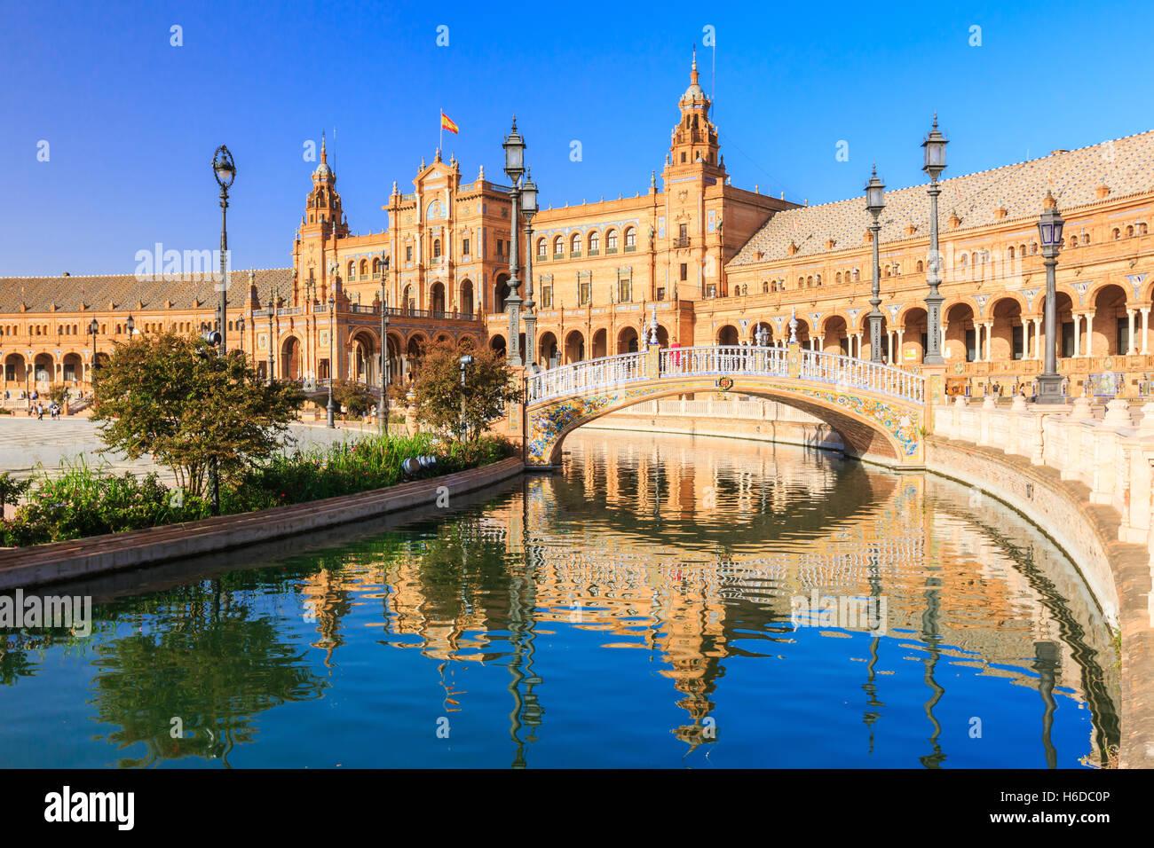 Siviglia, Spagna. Piazza di Spagna (Plaza de Espana) Immagini Stock