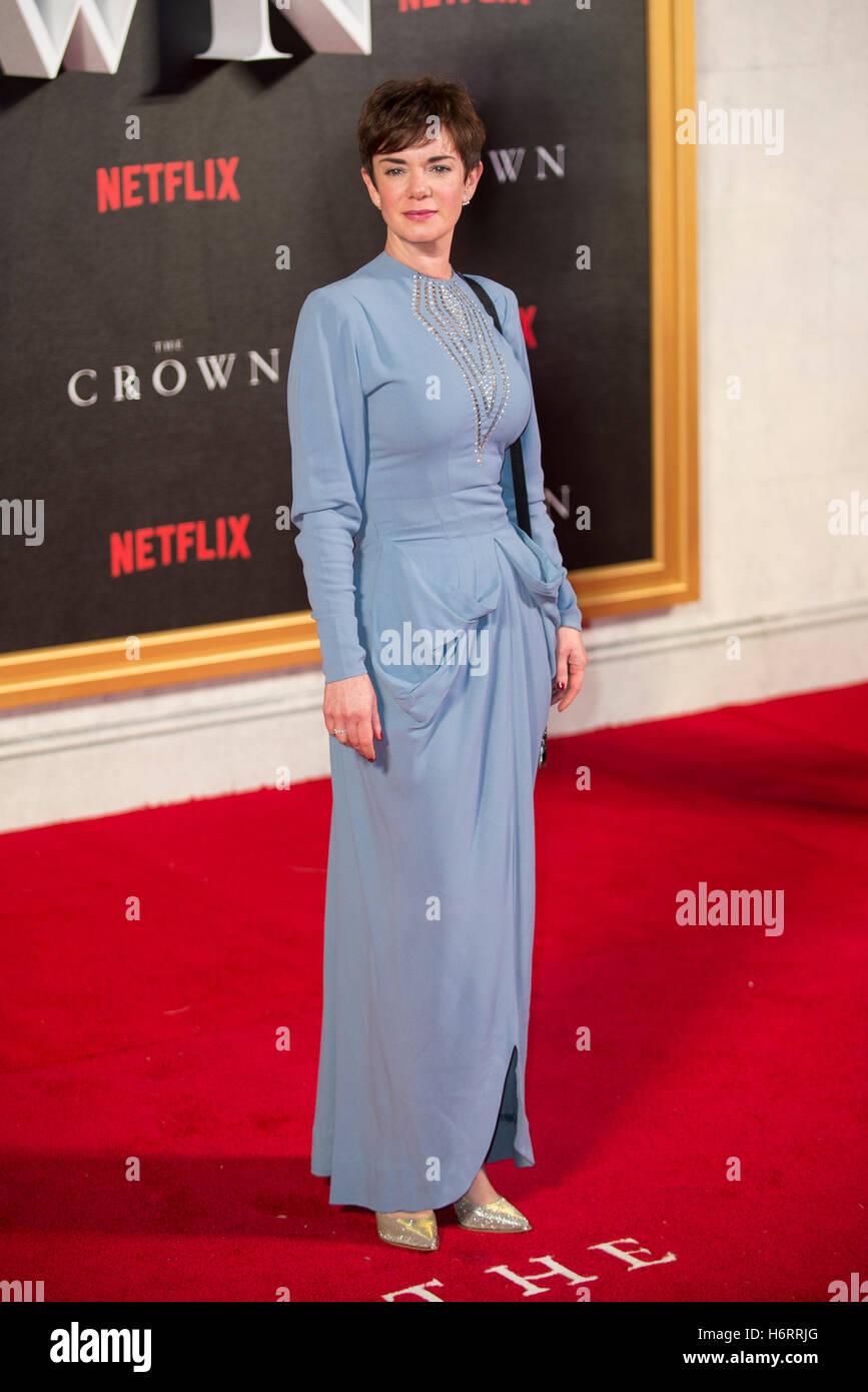 Londra, Regno Unito. 1 Novembre, 2016. Victoria Hamilton assiste la Premiere mondiale del nuovo Netflix serie originale Immagini Stock
