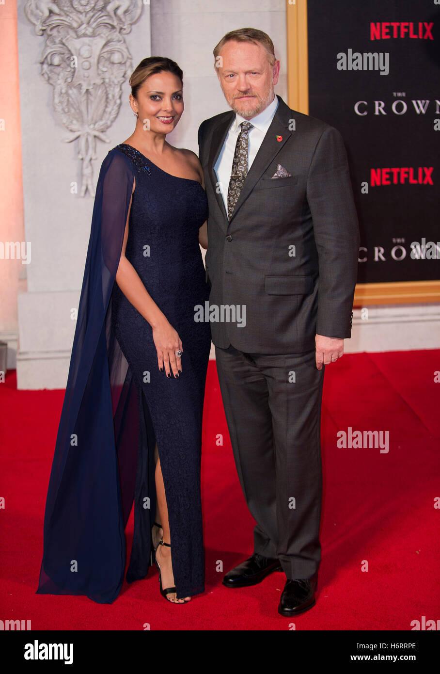 Londra, Regno Unito. 1 Novembre, 2016. Allegra Riggio e Jared Harris assiste la Premiere mondiale del nuovo Netflix Immagini Stock
