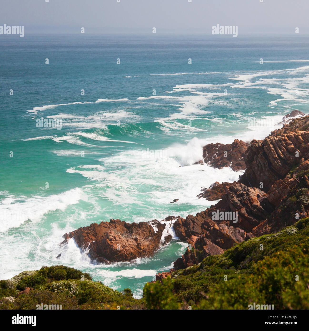 Spiaggia da sogno e le montagne e Immagini Stock