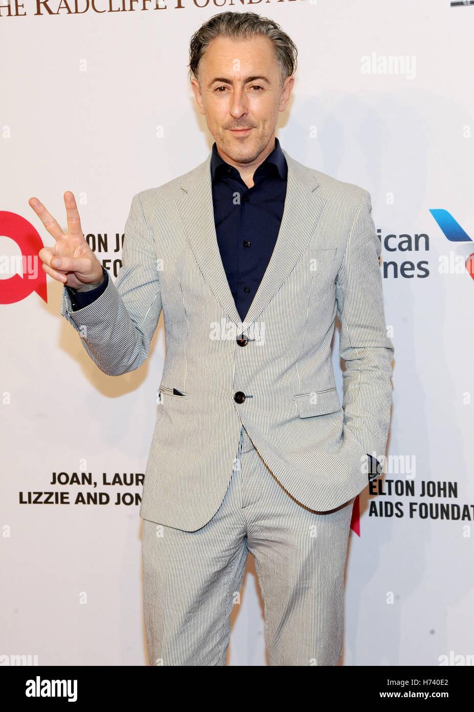 New York, NY, STATI UNITI D'AMERICA. 02Nov, 2016. Alan Cmming assiste quindicesima Elton John AIDS Foundation Immagini Stock