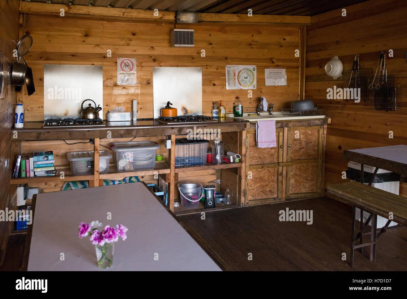 Campeggio Piscina lavaggio fino strutture - una cucina ben attrezzata per camper a vista Solway vacanze campeggio, Immagini Stock