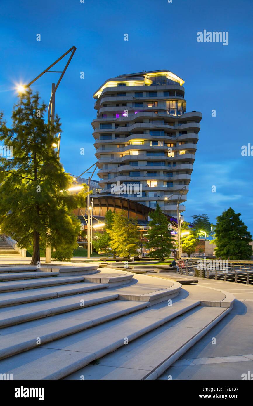 Marco Polo torre residenziale su Marco Polo Terrazza di HafenCity di Amburgo, Germania Immagini Stock