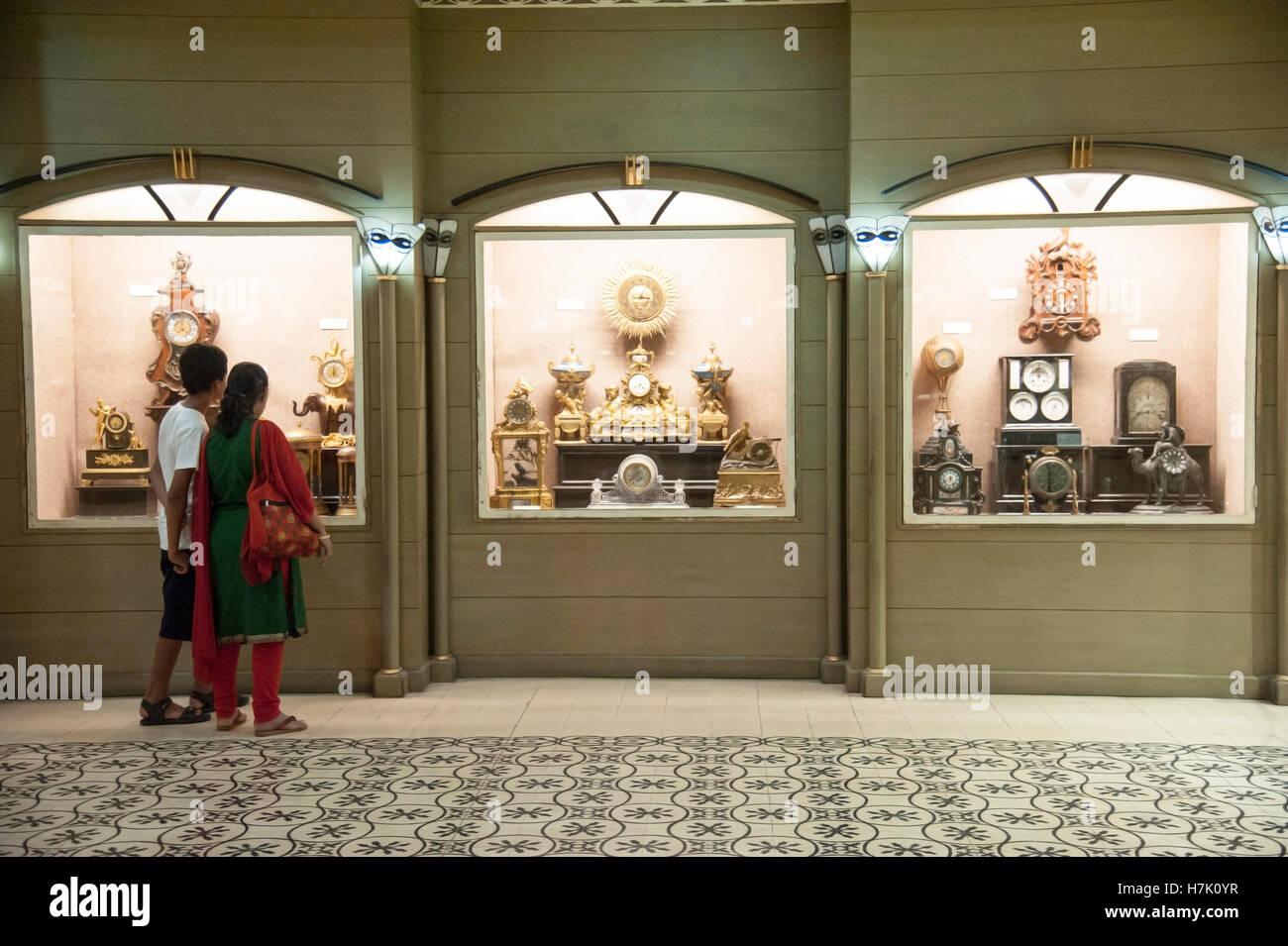Galleria di clock al Salar Jung Museo Telangana Hyderabad india Immagini Stock