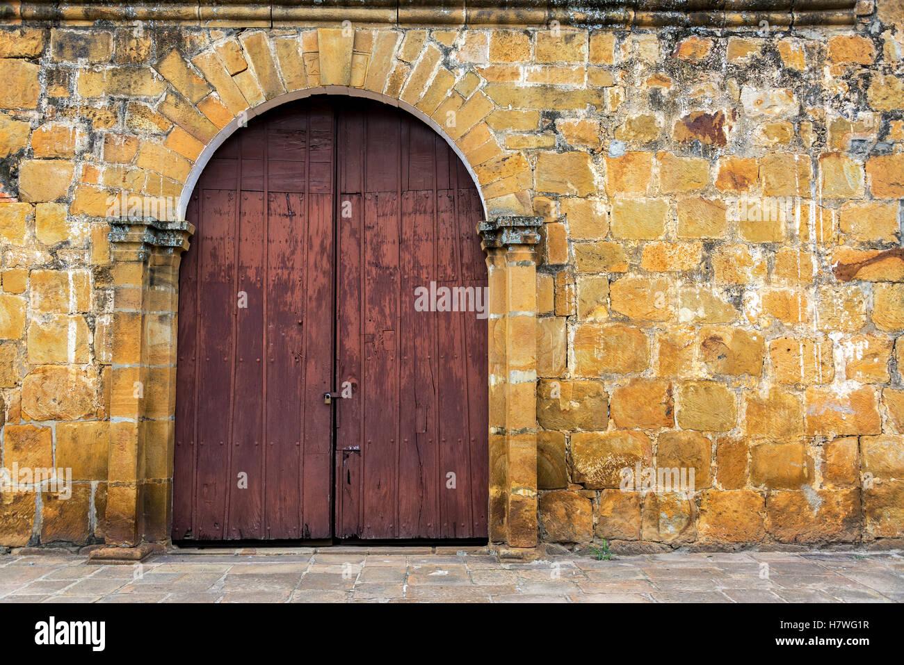 Entrata di San Roque cappella nella piccola città di Valle de San Jose, Colombia Immagini Stock