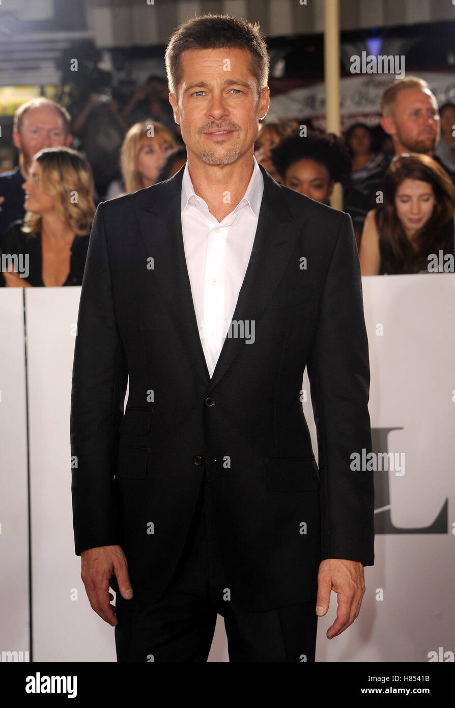 """Los Angeles, California, USA. 9 Nov, 2016. Brad Pitt presso il Los Angeles premiere di """"Allied"""" tenutasi Immagini Stock"""