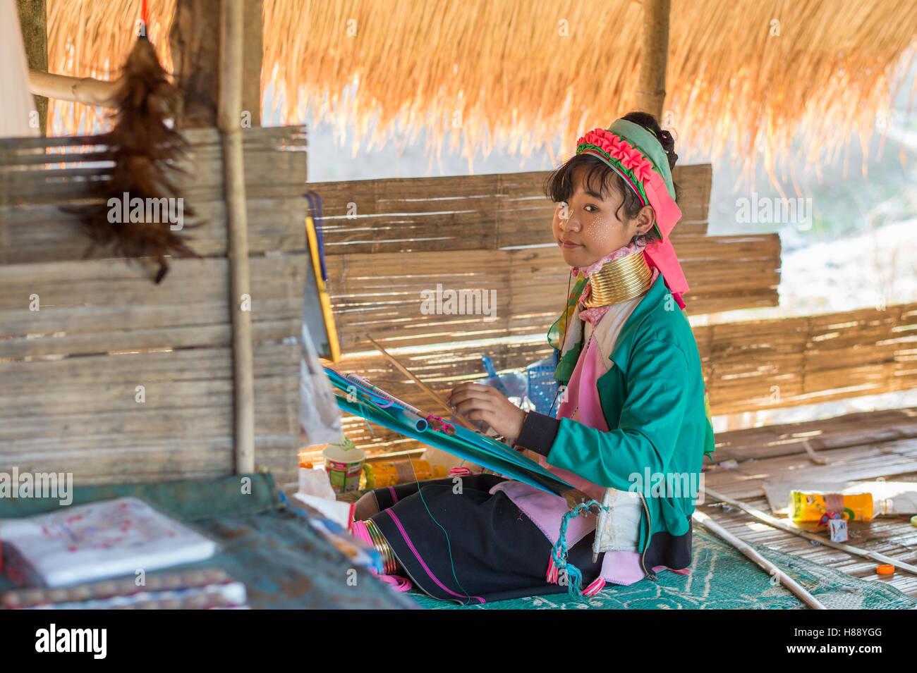 Karen lungo collo di persone nel nord della Thailandia Immagini Stock