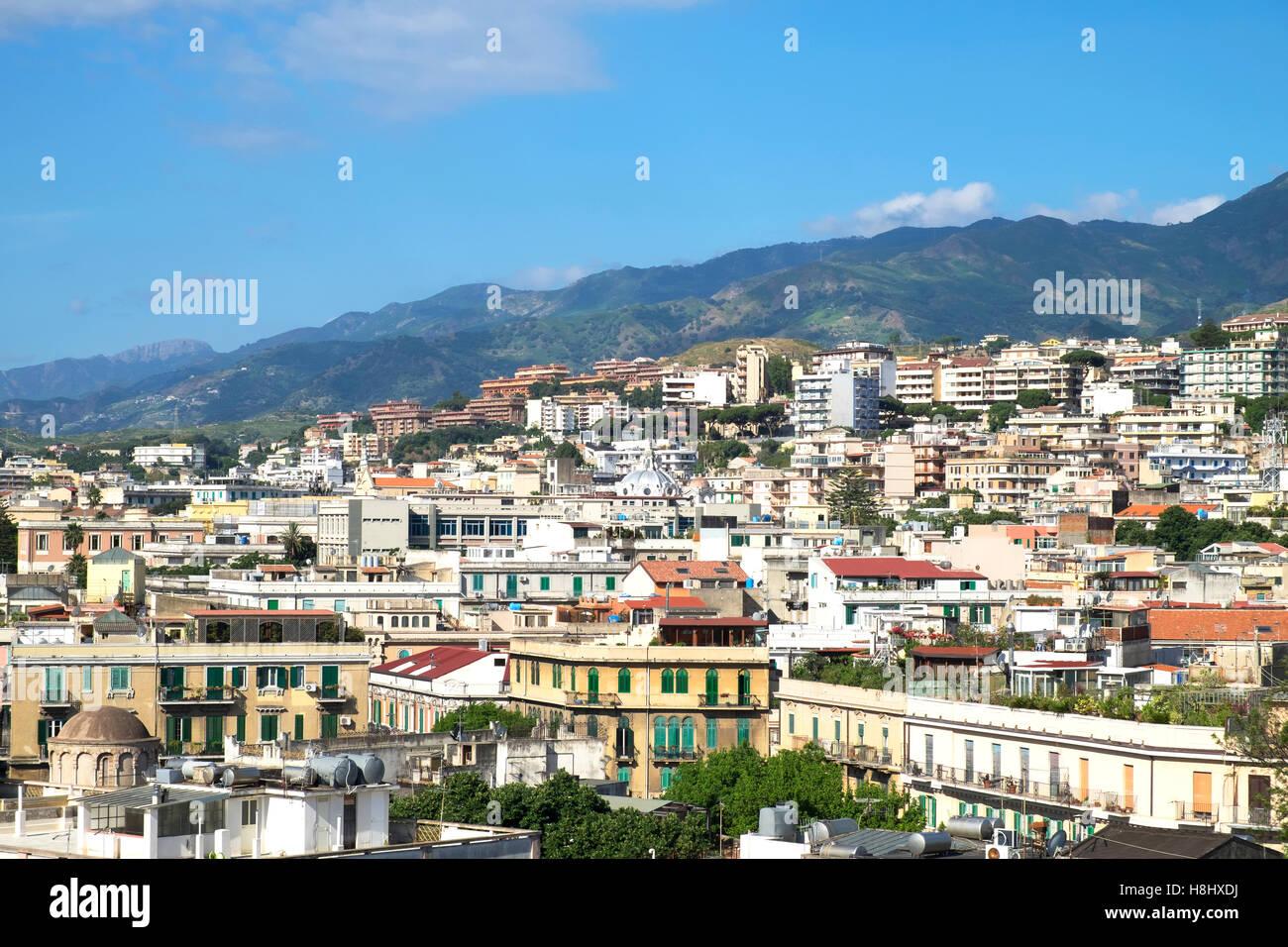 La città di Messina sull'isola di Sicilia, Italia. Immagini Stock