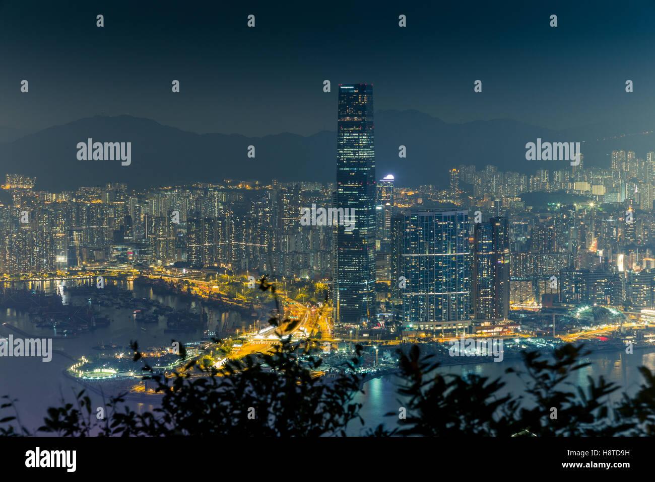 Luci e sullo skyline di Hong Kong centrale durante la notte - 5 Immagini Stock
