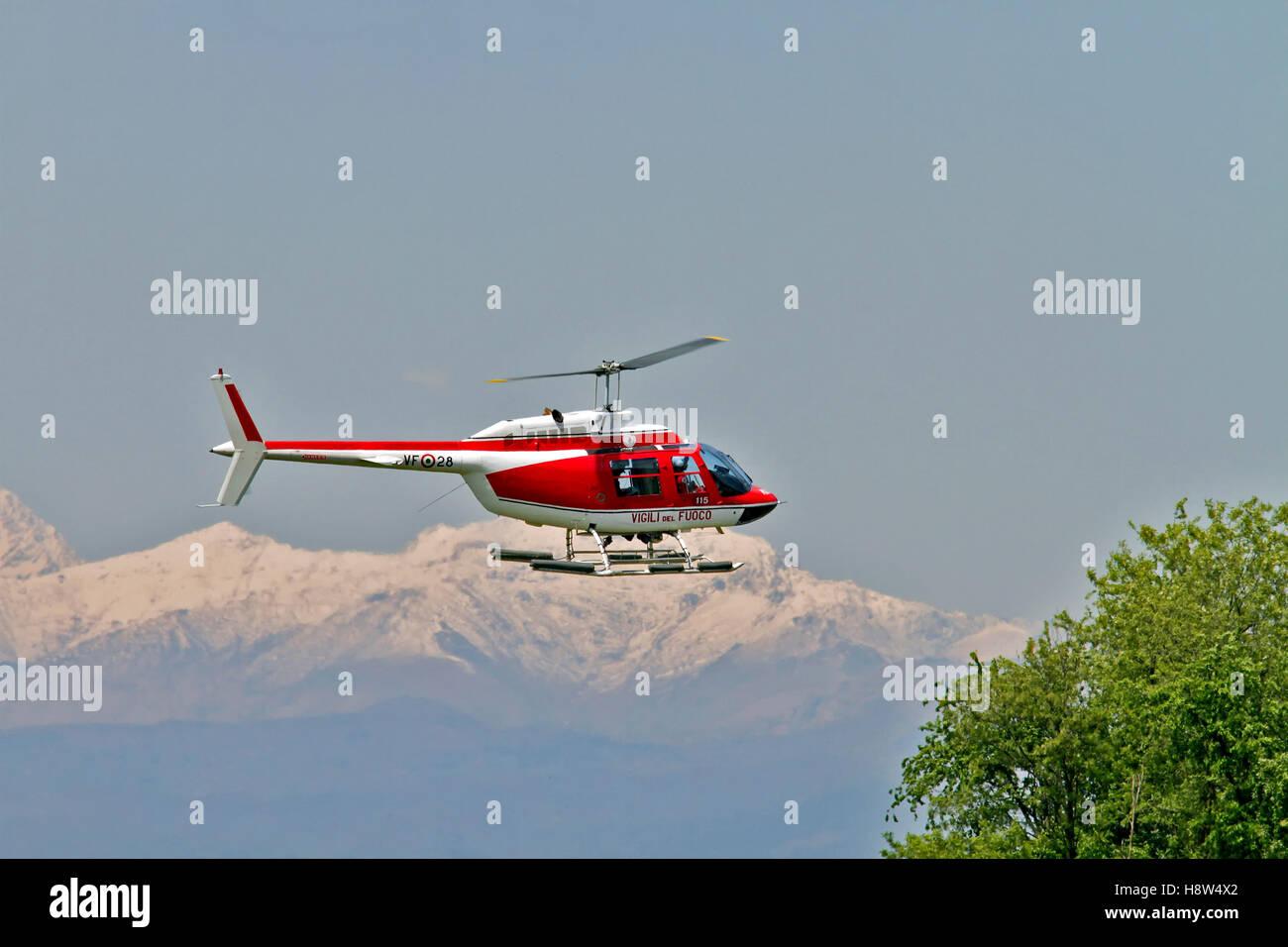 Elicottero Milano : Vigili del fuoco vf 80 agusta a109 power elicottero a milano