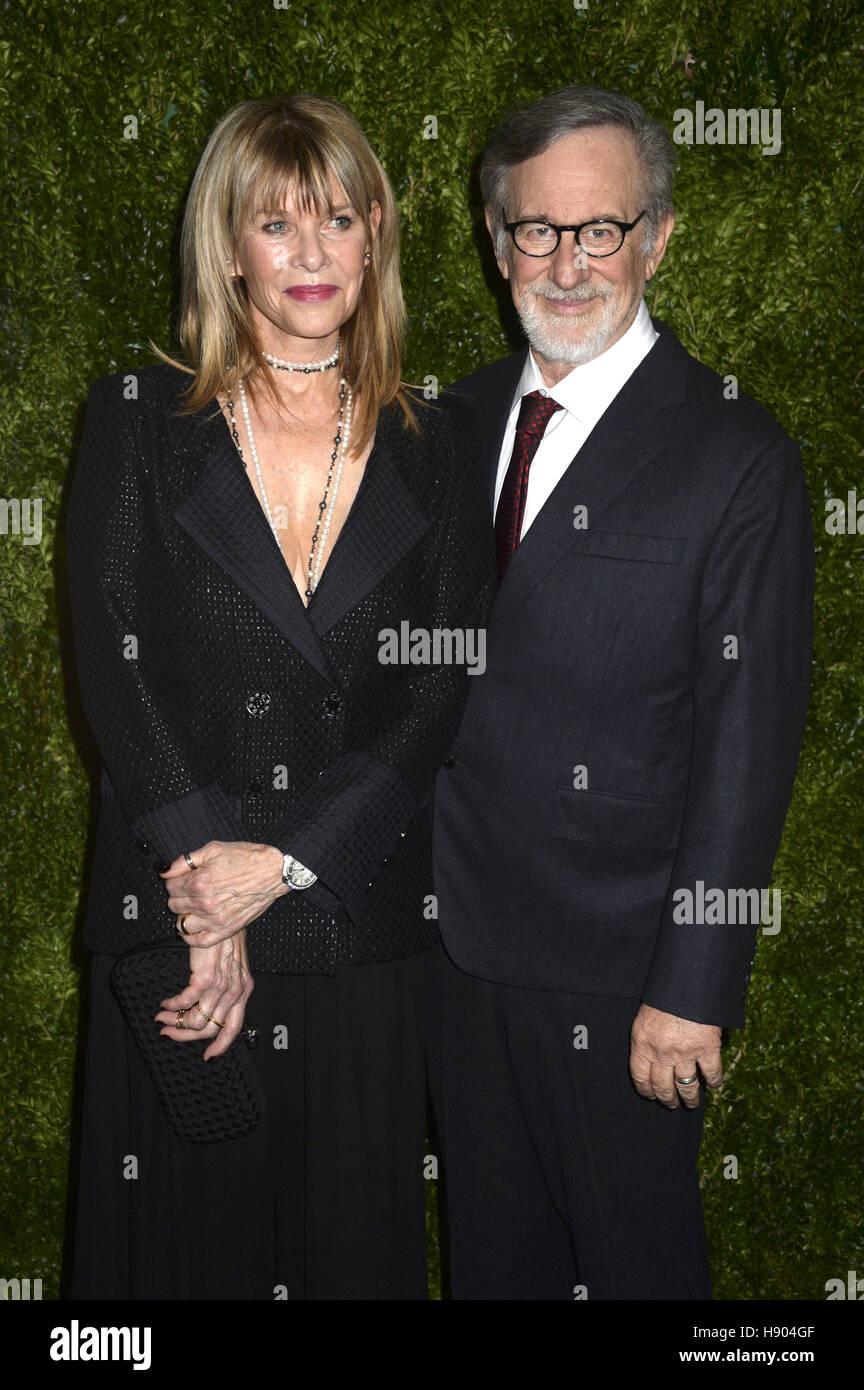 La città di New York. Xv Nov, 2016. Kate Capshaw e Steven Spielberg frequentare il MoMA Film vantaggio presentato Immagini Stock
