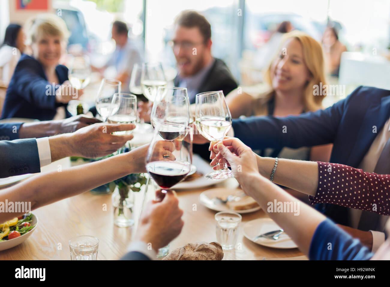La gente di affari parte celebrazione il concetto di successo Immagini Stock