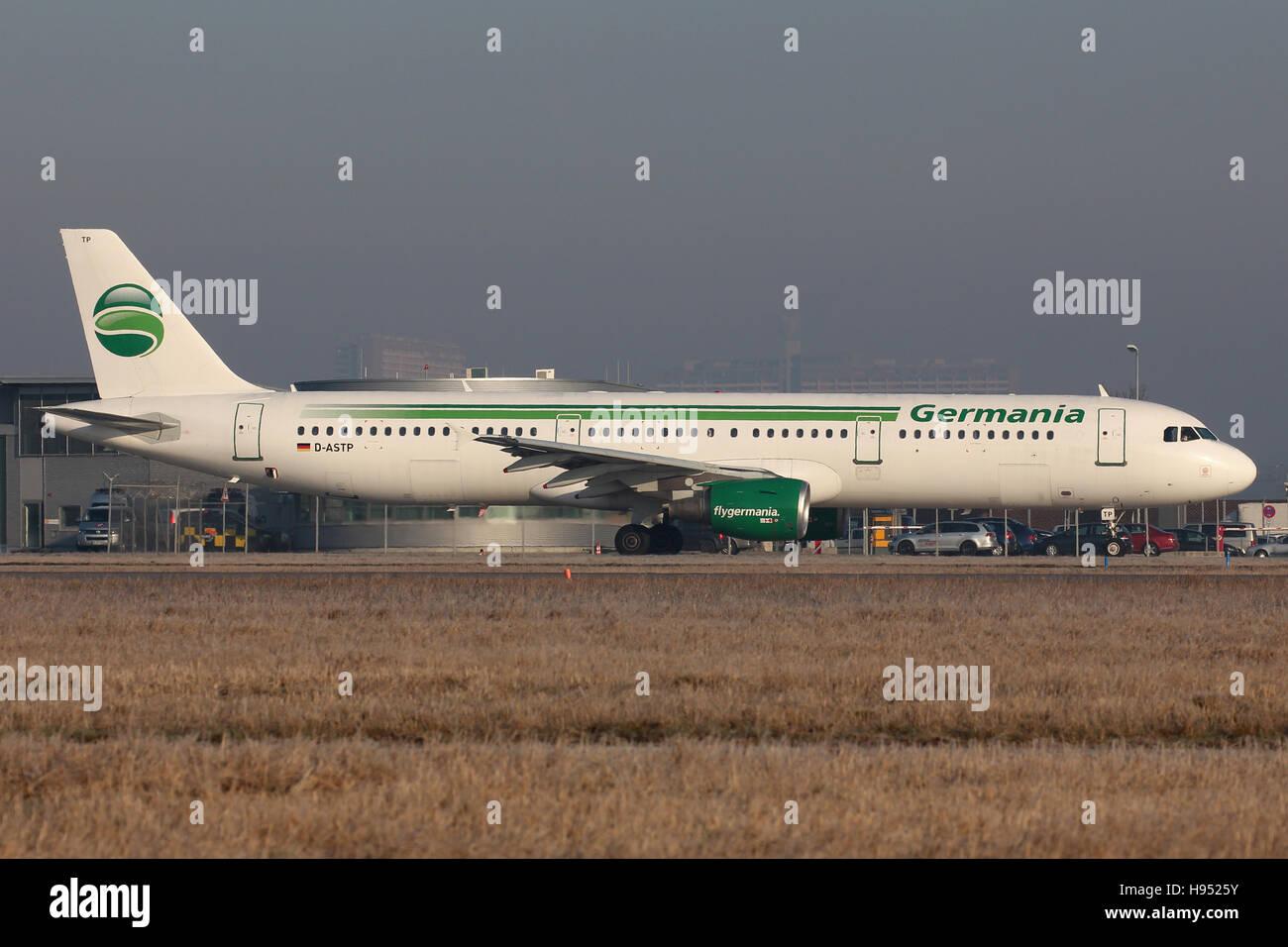 Stuttgart, Germania - 26 Febbraio 2016: Germania, Airbus A321 all'Aeroporto di Stoccarda Immagini Stock