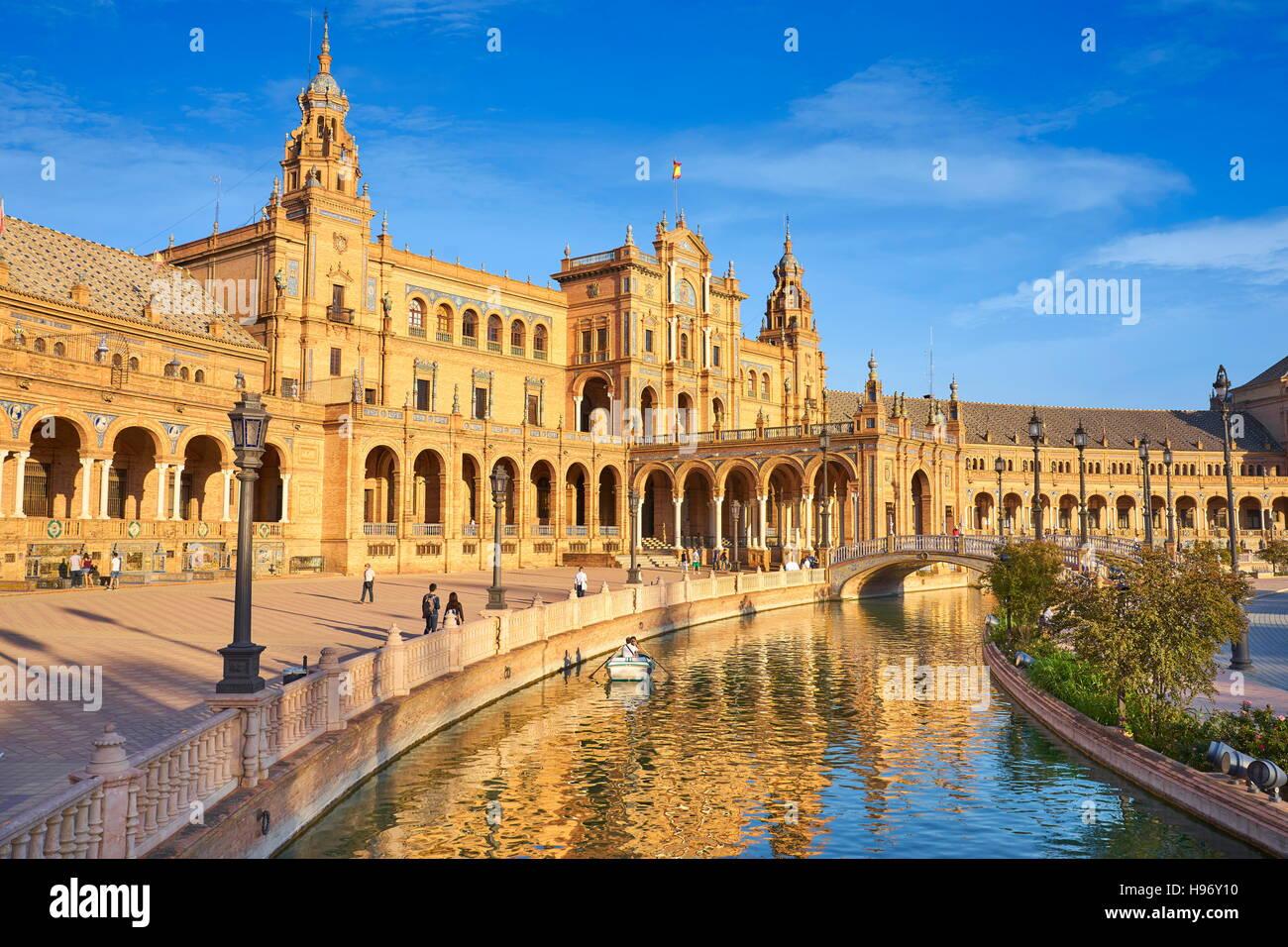Plaza de Espana, in barca sul canale, Siviglia, Spagna Immagini Stock