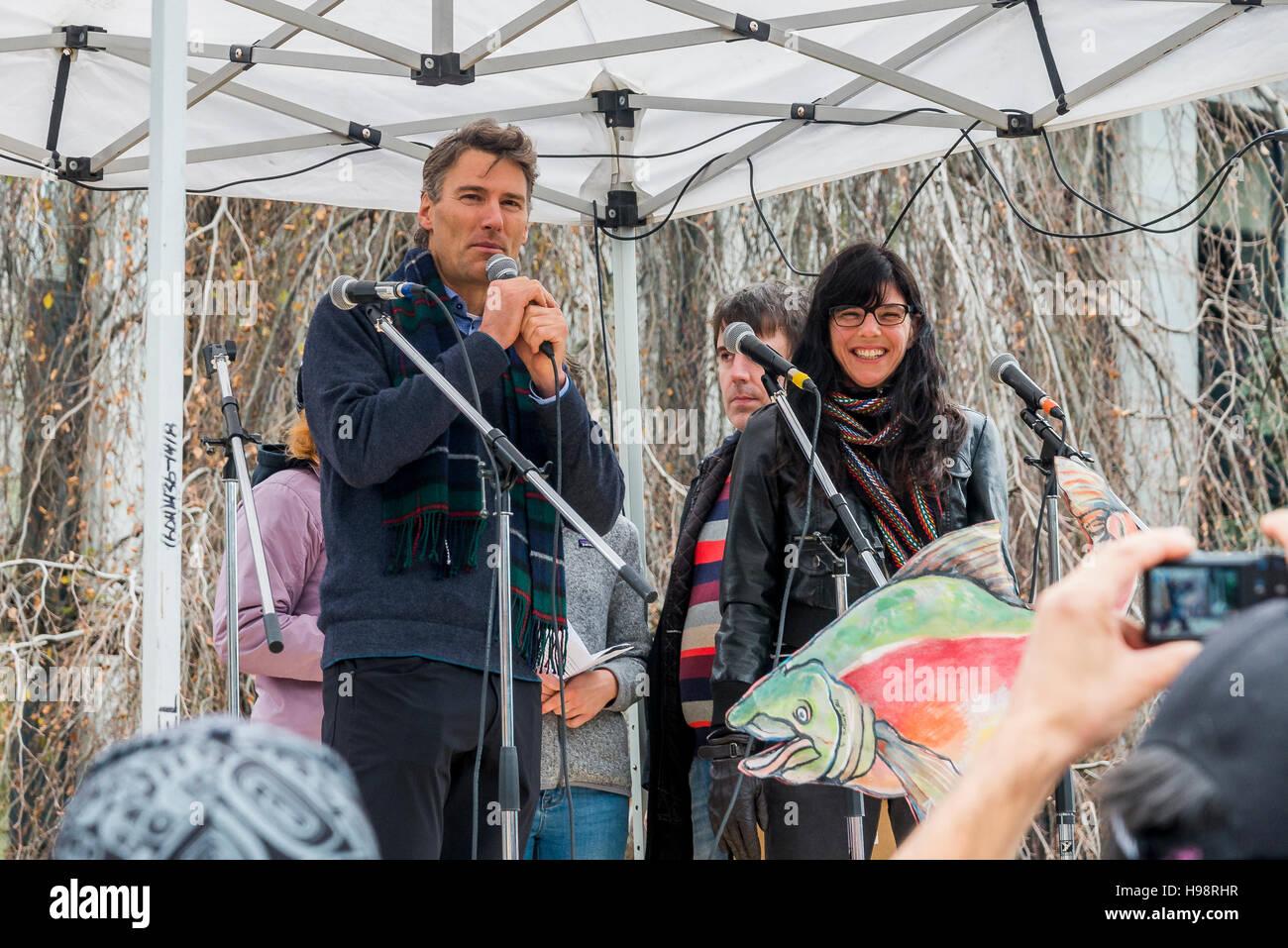 Vancouver, Canada. Il 19 Novembre, 2016. Anti Kinder Morgan Pipeline Rally di protesta e marzo, Vancouver, British Immagini Stock