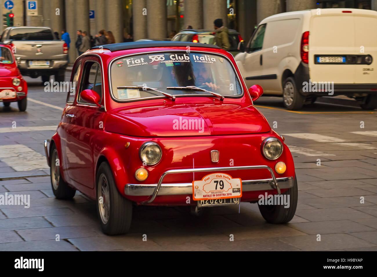 Italia Piemonte Torino sabato 19 novembre Rally Fiat 500 Immagini Stock