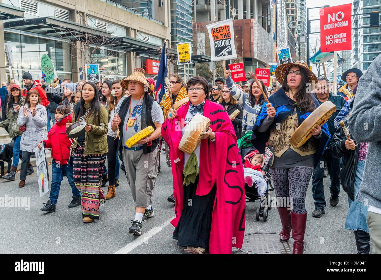 Anti Kinder Morgan Pipeline Rally di protesta e marzo, Vancouver, British Columbia, Canada. Immagini Stock