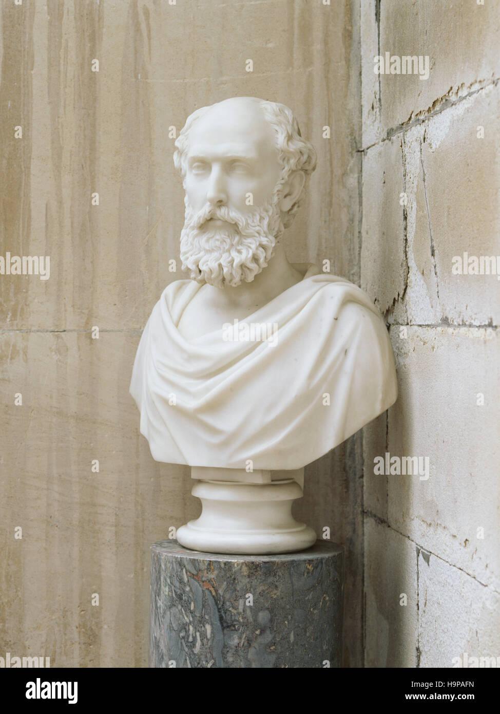 Busto (C xix secolo inglese) di William Henry Pole-Carew (1811-88) nel portico a Antony House. Immagini Stock
