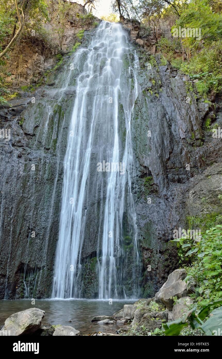 Velo de Novia cascata, Rio Tuxpan tributario, Jungapeo, Michoacán, Messico Immagini Stock