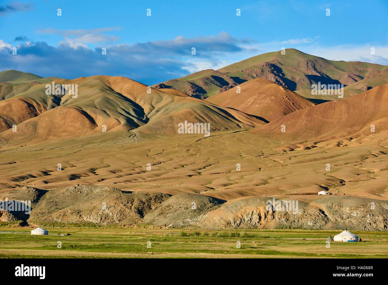 Mongolia, Bayan-Ulgii provincia, Mongolia occidentale, le montagne colorate del degli Altai, campo nomadi del popolo Immagini Stock