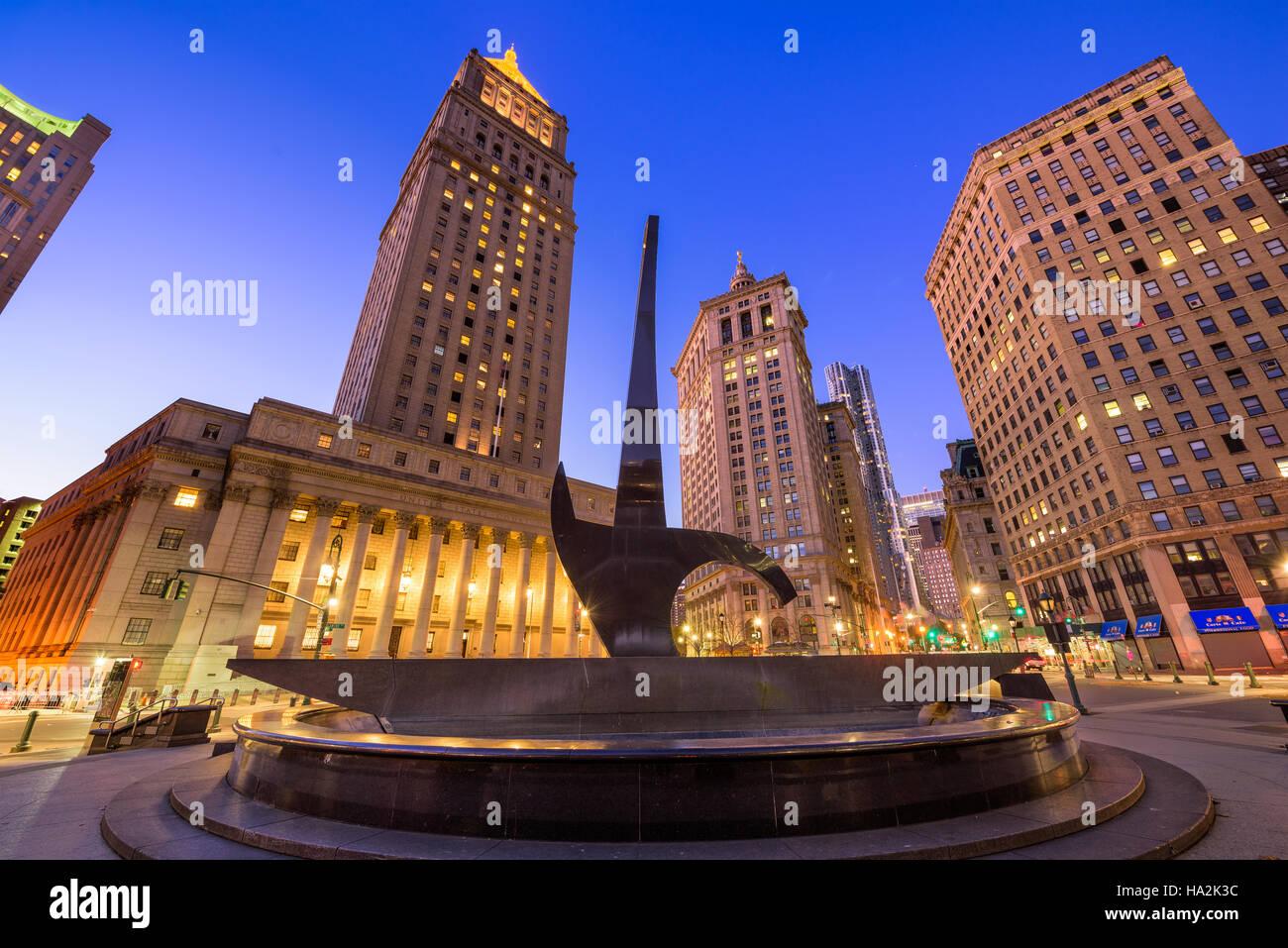 NEW YORK CITY - Novembre 11, 2016: Il trionfo dello spirito umano la scultura a Foley Square nel centro civico quartiere Immagini Stock