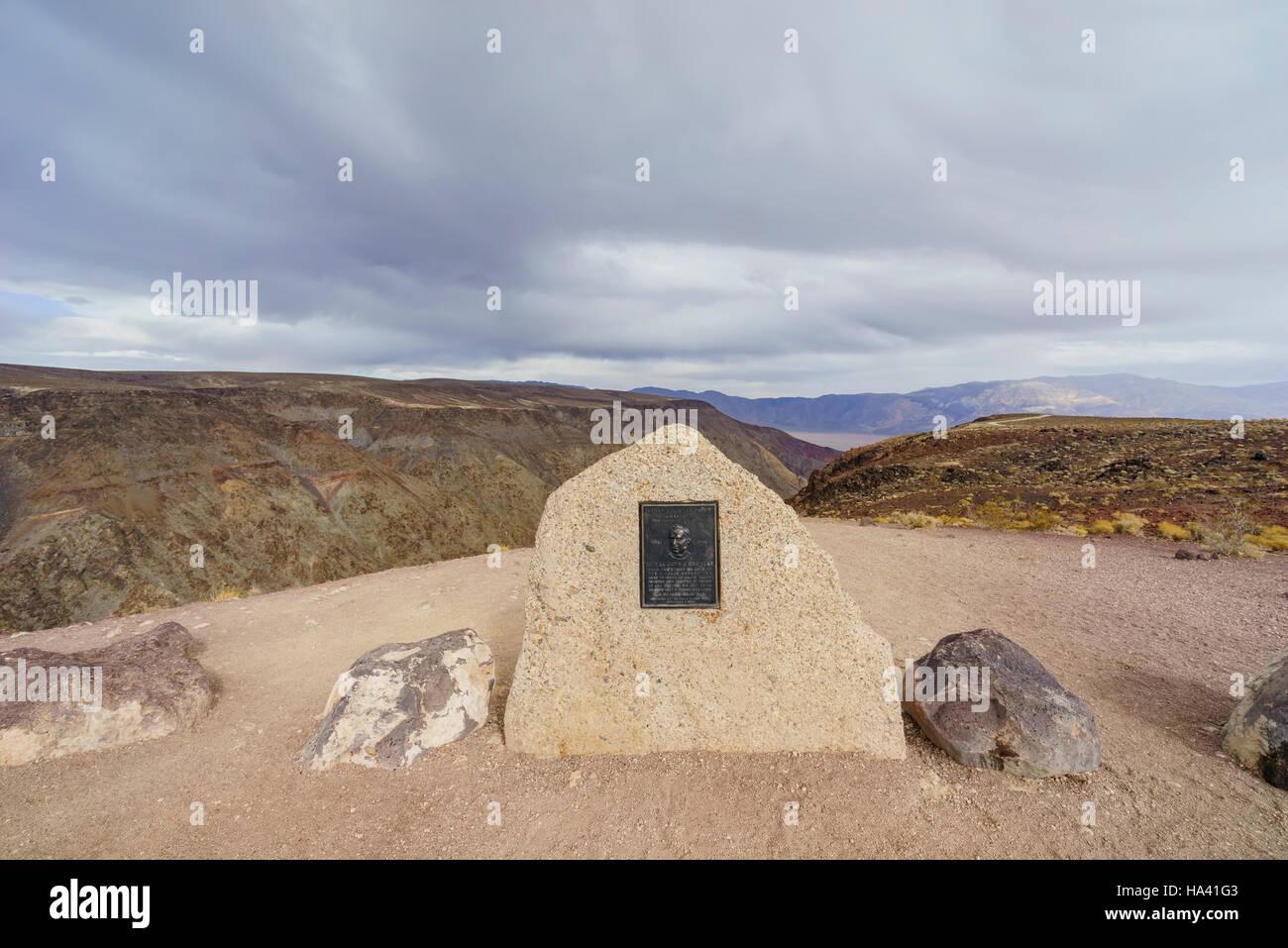 Memorial segno del Padre Crowley punto, il Parco Nazionale della Valle della Morte Immagini Stock