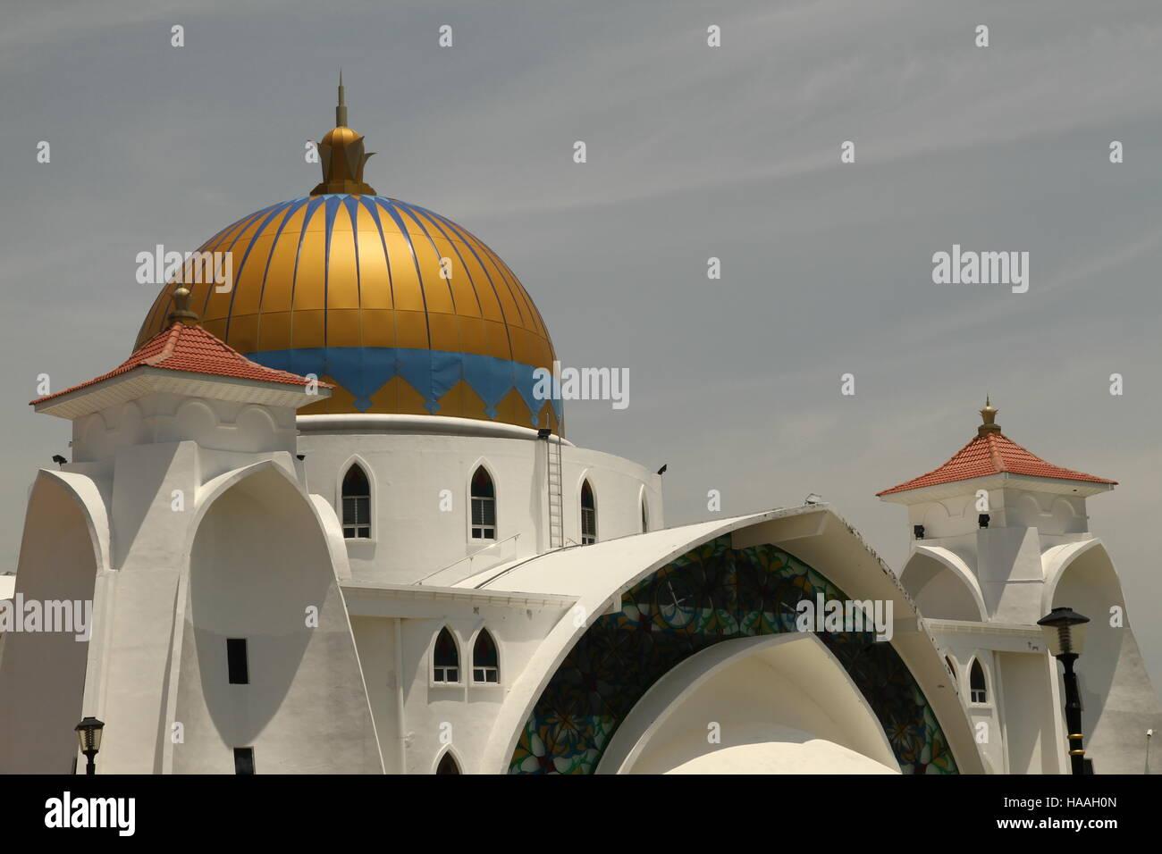Dettagli della Masjid Selat Melaka, Malacca famoso 'flottante' moschea e un ottimo esempio di come la moderna Immagini Stock