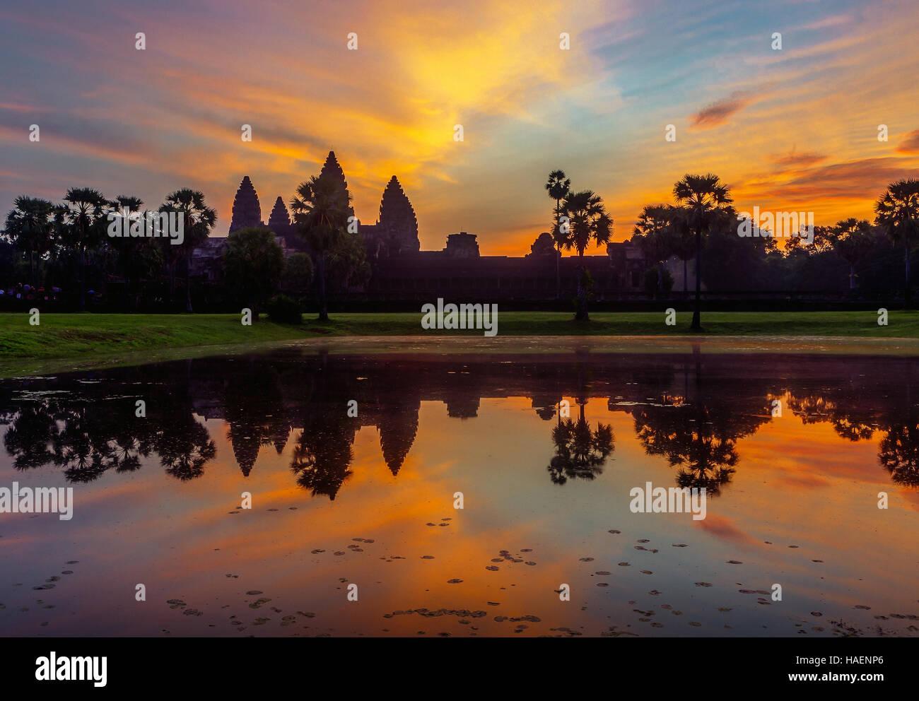 Sunrise oltre Angkor Wat, Siem Reap, Regno di Cambogia. Immagini Stock