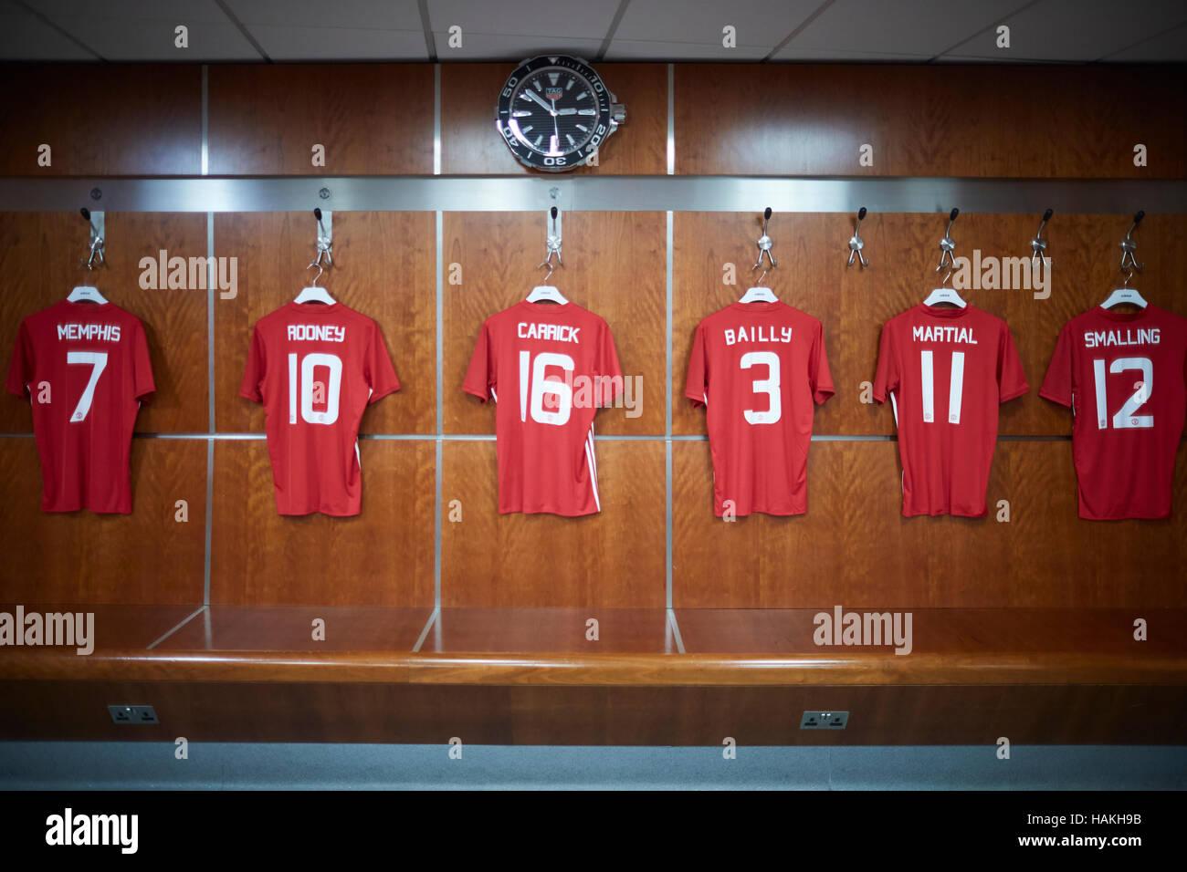 Panchine Spogliatoio Calcio : Lo stadio del manchester united dressingroom spogliatoio calcio