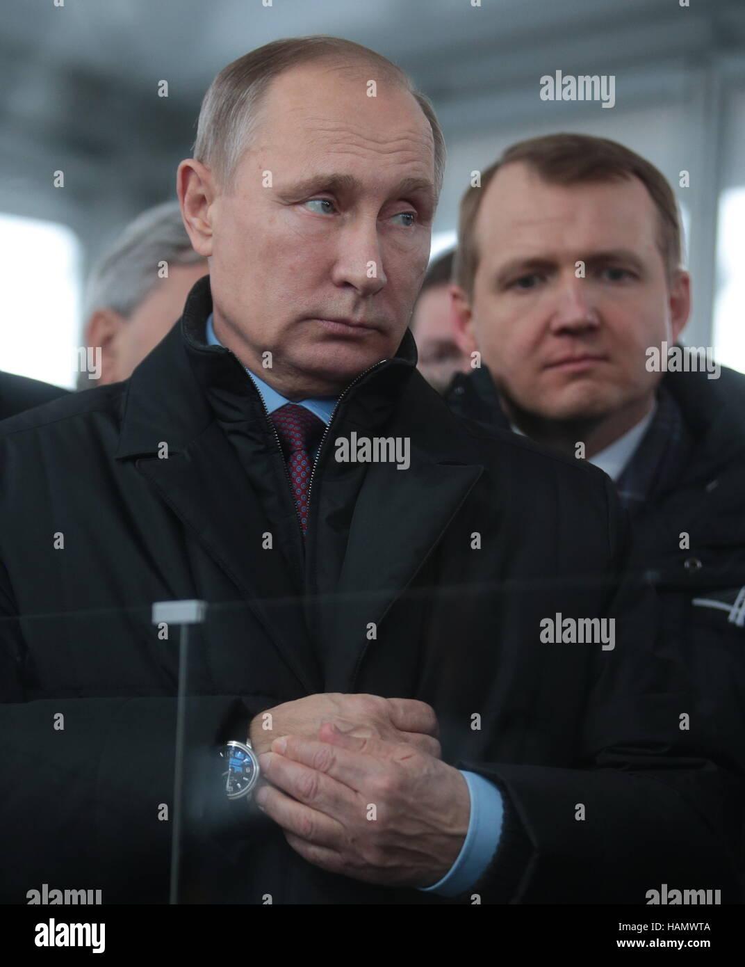 San Pietroburgo, Russia. 2° dic, 2016. La Russia è il Presidente Vladimir Putin (anteriore), e il vice Immagini Stock