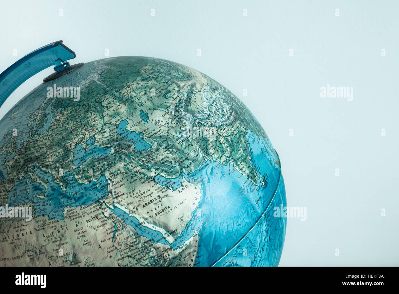 Globo Con Cartina Fisica Su Di Esso Foto Immagine Stock 127662874