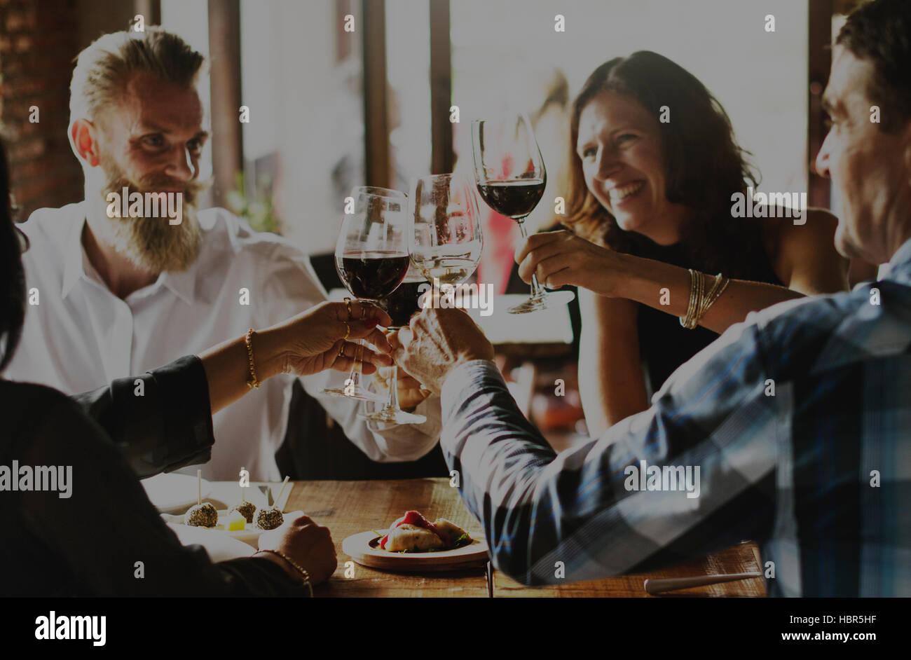 La gente parte celebrazione bevande Cheers Concetto di felicità Immagini Stock