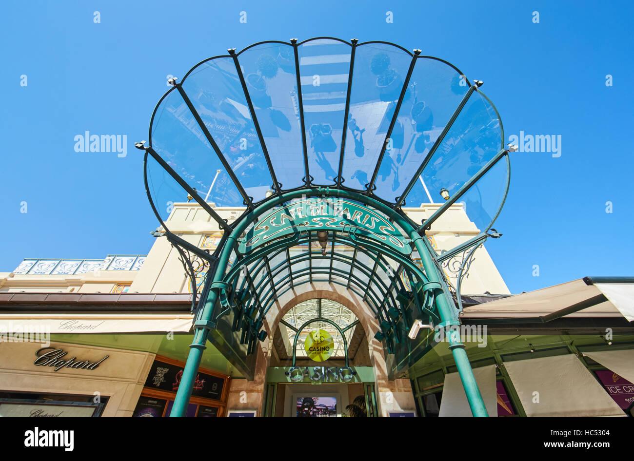 Casino de Paris, Casino Monte-Carlo, Casino Royal, turisti, costose automobili, facciata edificio, miliardari, giornata Immagini Stock