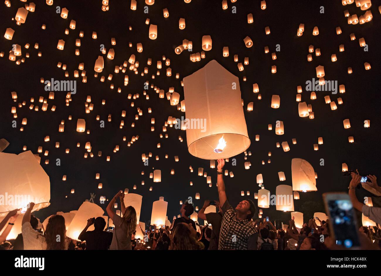 Yi Peng festa delle lanterne; Chiang Mai, Thailandia Immagini Stock