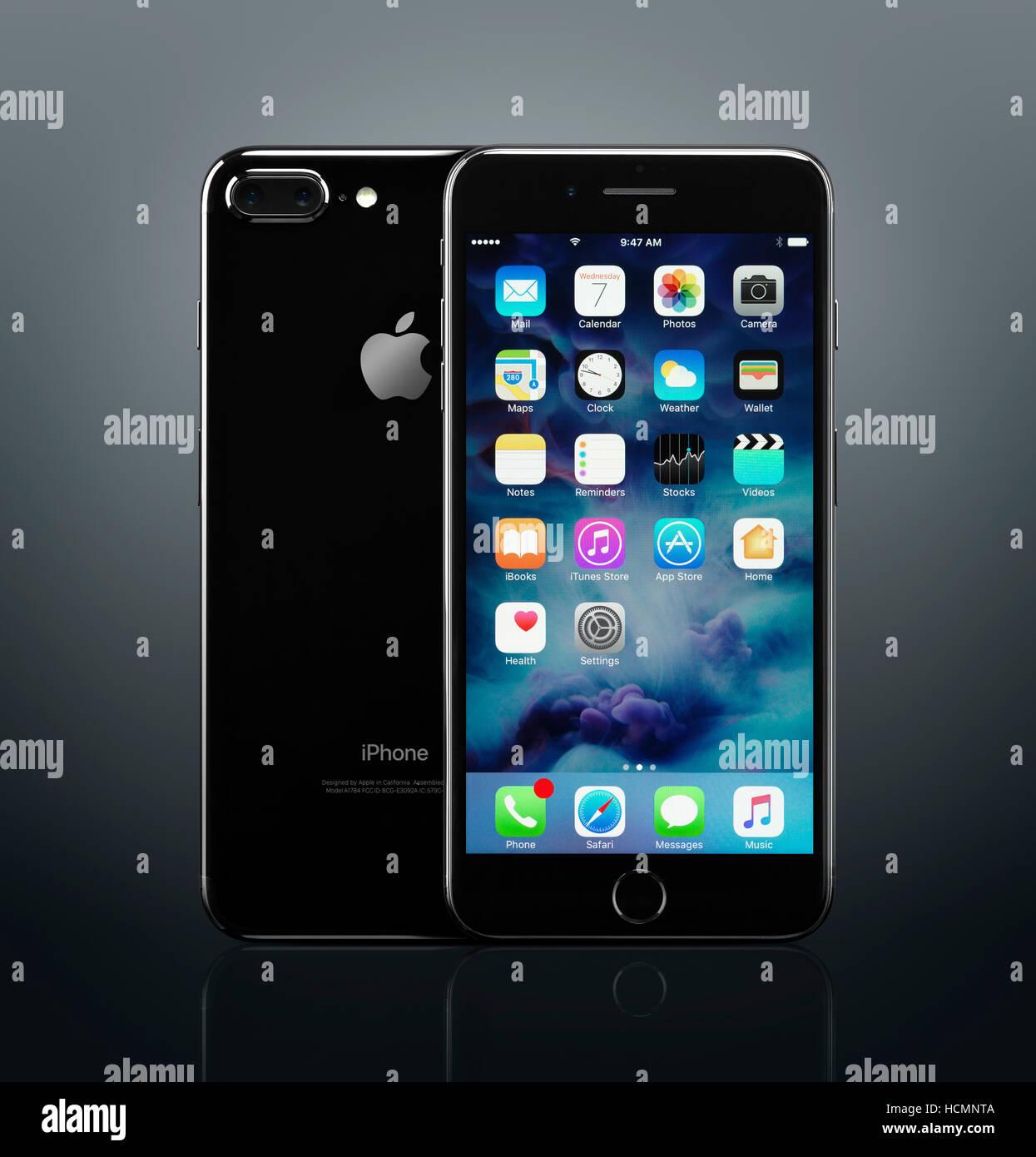 Apple Iphone 7 Nero Plus Fronte E Retro Con Le Icone Del Desktop Sul