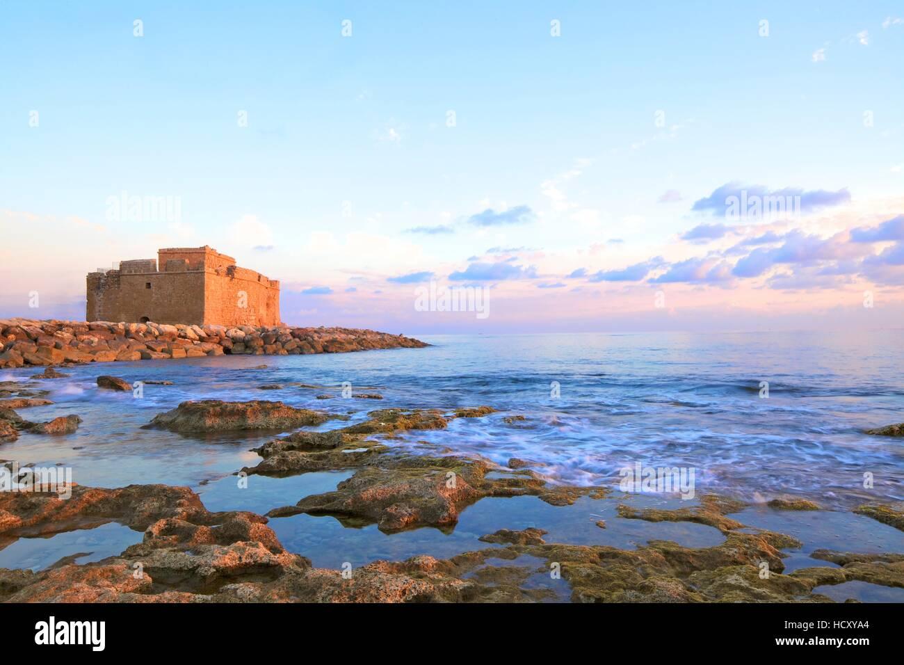 Il Castello di Pafo, Paphos, Cipro, Mediterraneo orientale Mare Immagini Stock