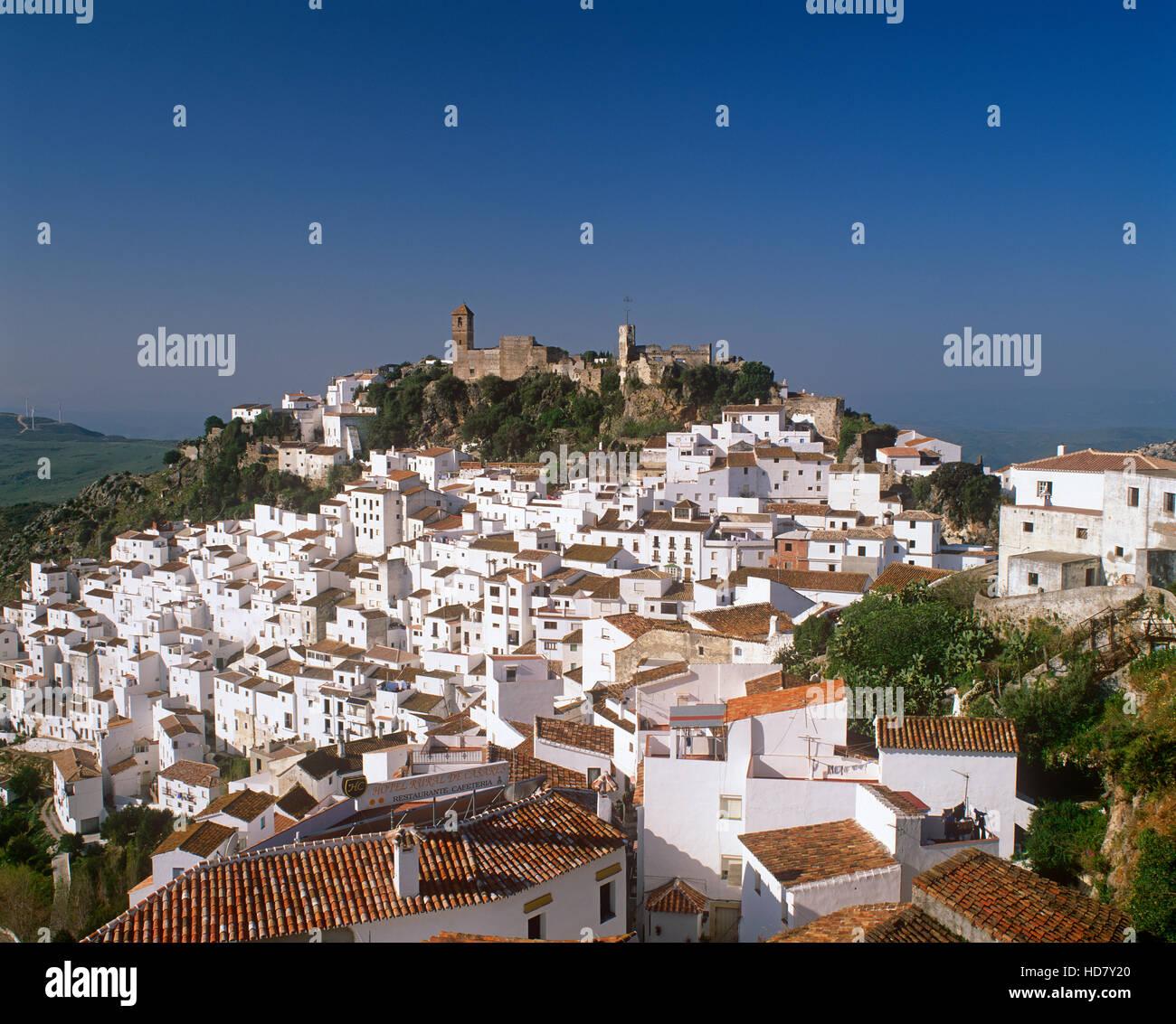 Casares villaggio bianco, Andalusia, Spagna Immagini Stock