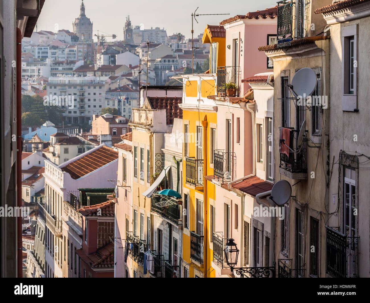 Architettura nel centro storico di Lisbona, Portogallo. Immagini Stock